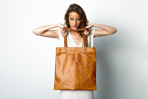 tote_caramel_2_close_large